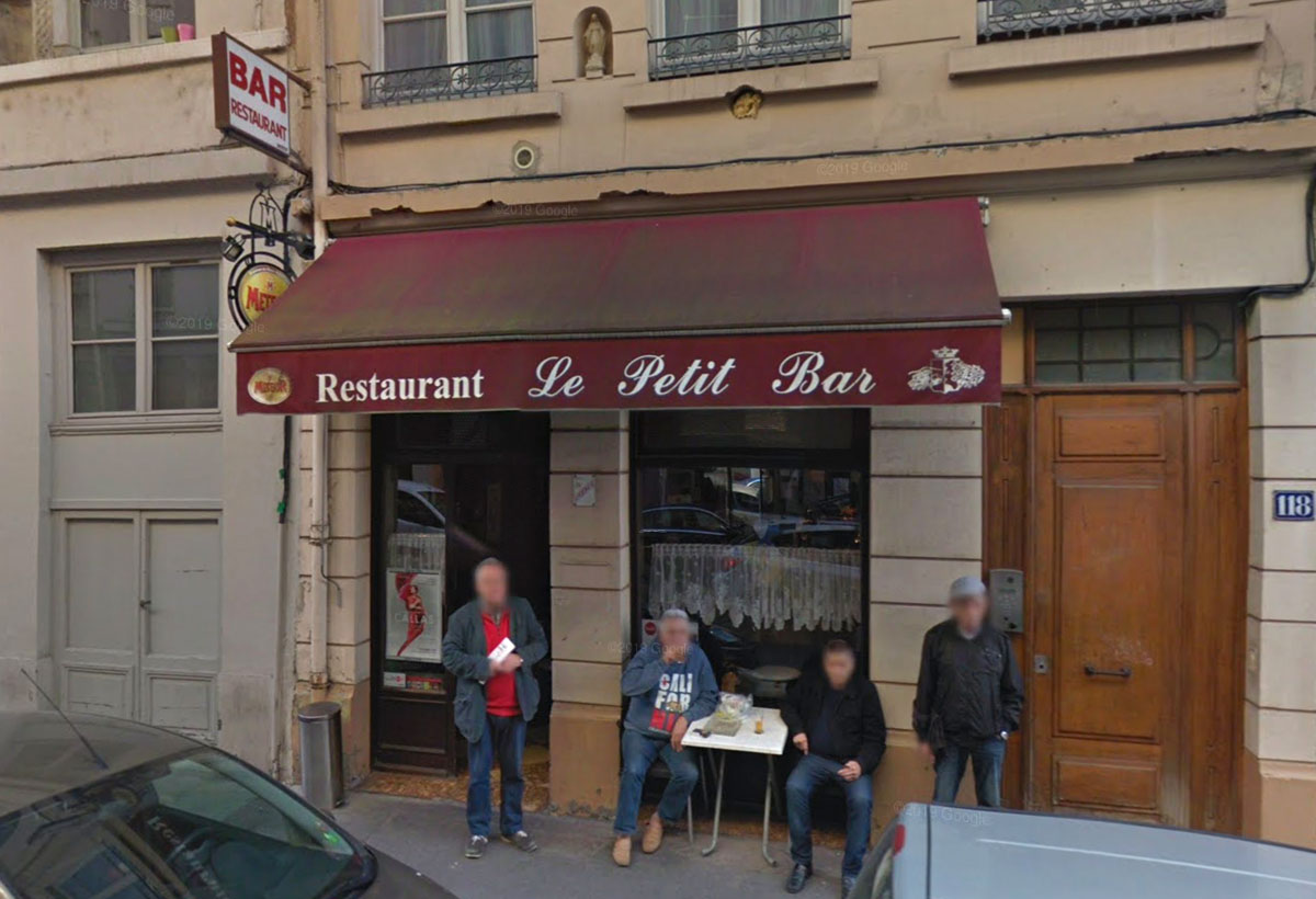 Le Petit Bar avant